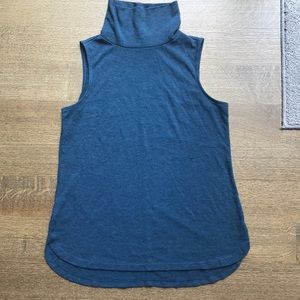 Loft petites MP sleeveless turtleneck sweater